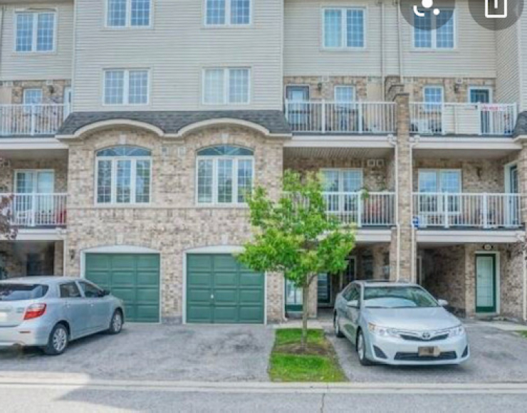 Two bedroom Townhouse – Scarborough